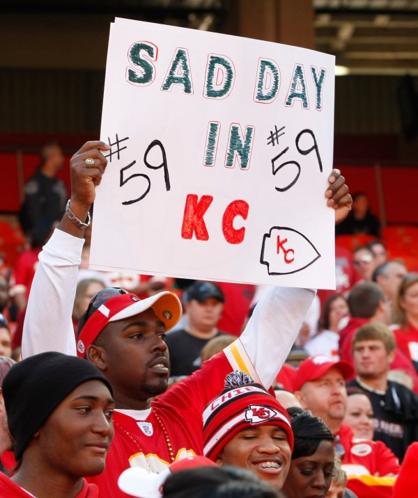 Chiefs fans tailgate, mourn player murder-suicide - The Blade