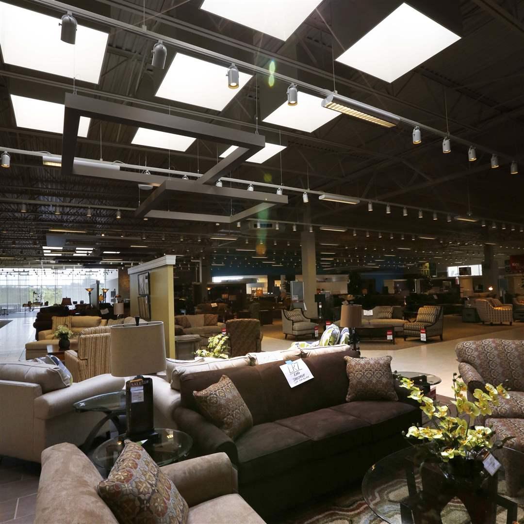 art van furniture debuts new store