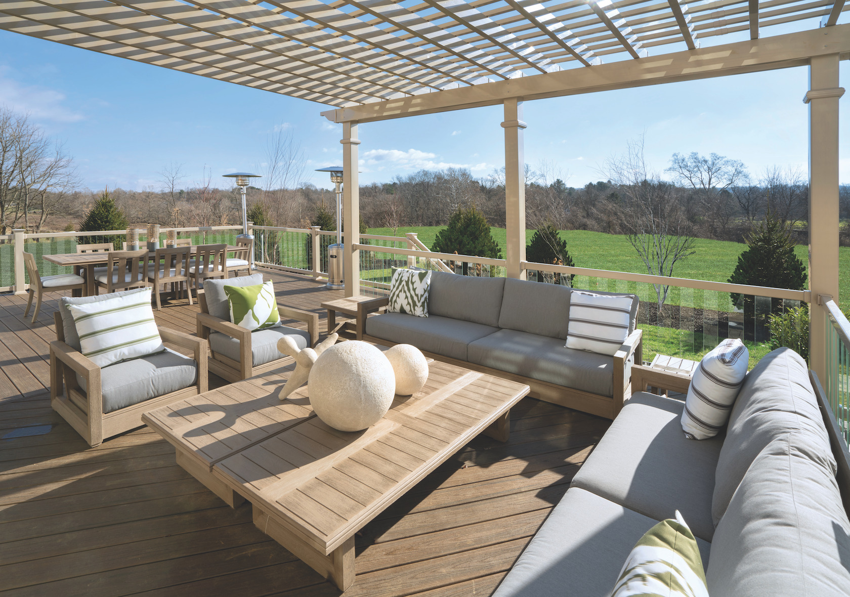 5 Essentials for Family-Friendly Outdoor Living Spaces ... on Cc Outdoor Living id=61497
