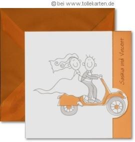 Einladungskarte zur Hochzeit mit Comic-Brautpaar auf Roller: