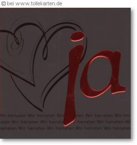 Schwarze Hochzeitseinladung mit Herzen und rotem Ja: