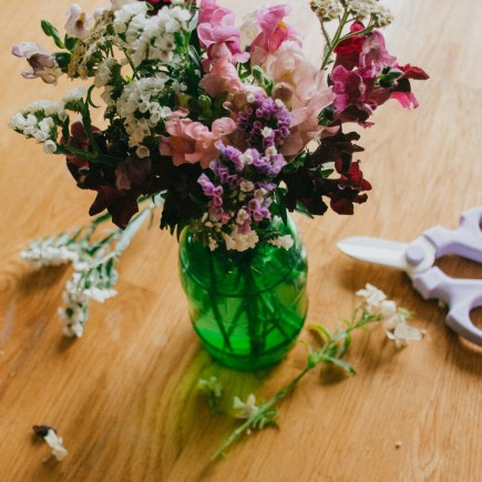 small bouquet with floral snips