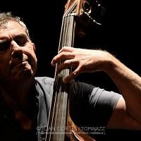 """INSTANTZZ: Claude Tchamitchian """"In Spirit"""" -contrabajo solo- (Festival Les Émouvantes, Théâtre des Bernardines, Marseille. 2019-09-21) [Galería fotográfica]"""