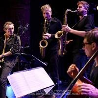 """INSTANTZZ: Vincent Courtois """"Oakland"""" (32ème Festival Jazzèbre / Teatre Municipal Jordi Pere Cerdà, Perpignan -France-.  2020-10-17) [Galería fotográfica AKA Fotoblog de jazz, impro... y algo más] Por Joan Cortès"""