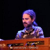 INSTANTZZ: Llorens Barceló Trio (1º Alaró Jazz Festival. Mallorca) [Galería fotográfica AKA Fotoblog de jazz, impro… y algo más] Por José Luis Luna Rocafort