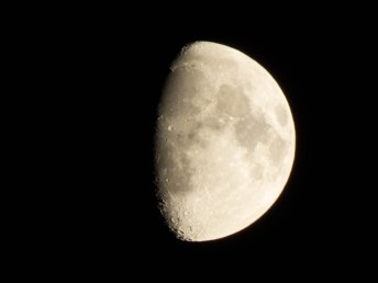 pb9-moon