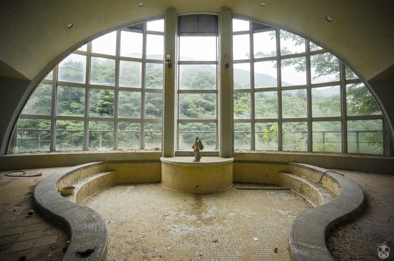 Abandoned Kappa Hot Spring Hotel かっぱ温泉 きぬ川館本店