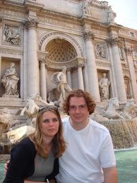 Tom and Chloe hugging in Venice