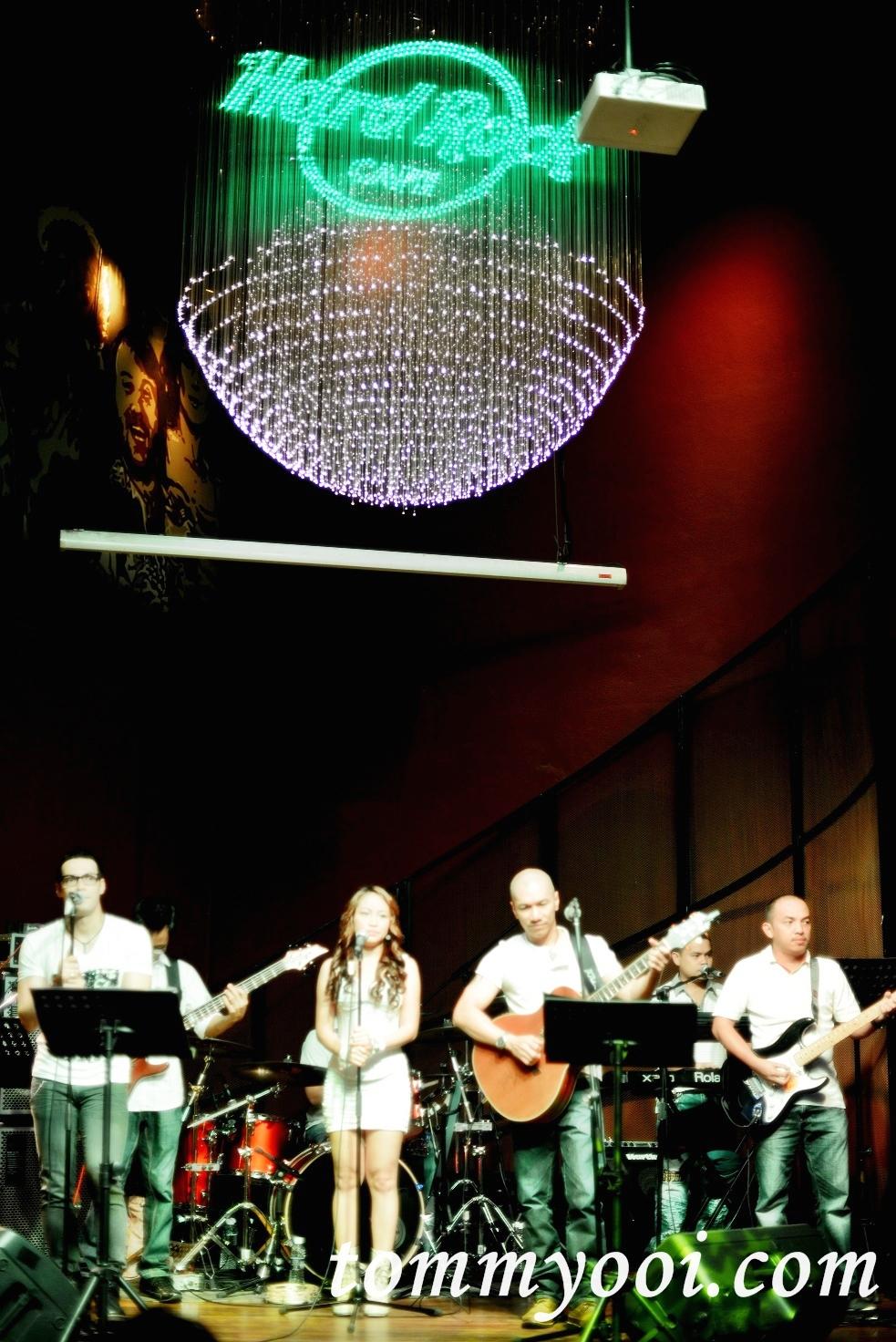 Live Band at Hard Rock Cafe