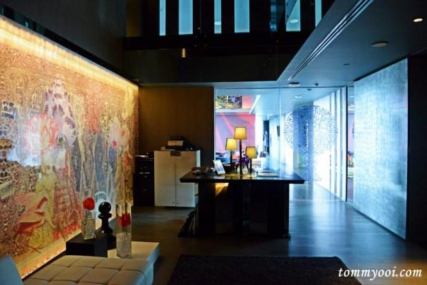 Sofitel So Bangkok Club Signature Lounge