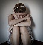 5 Cara Mengusir Kesepian