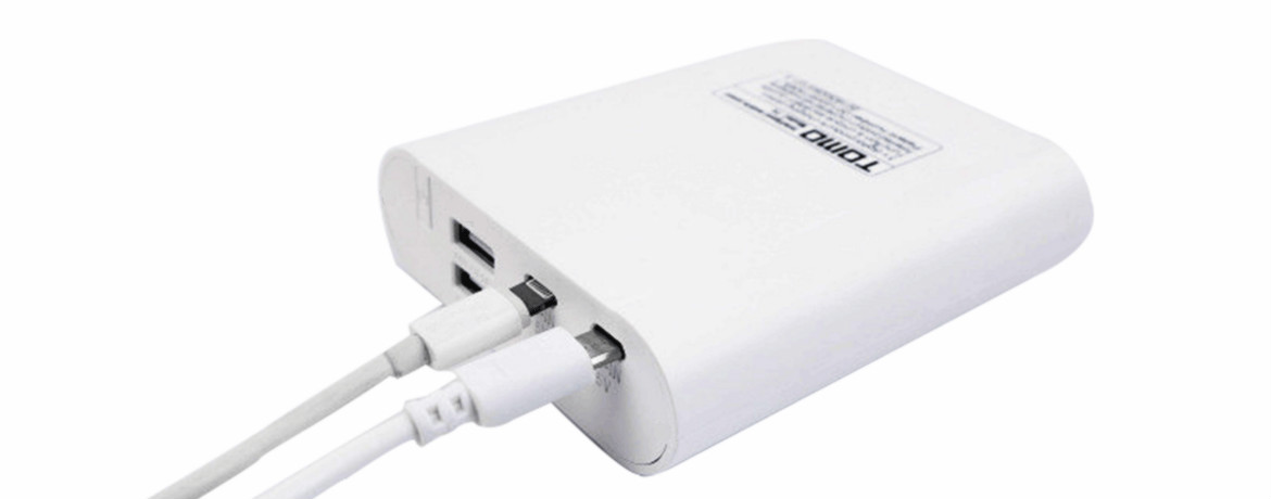 TOMO-T4-iPhone-USB-Port