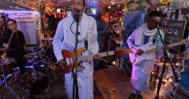 bombino-jam-in-the-van