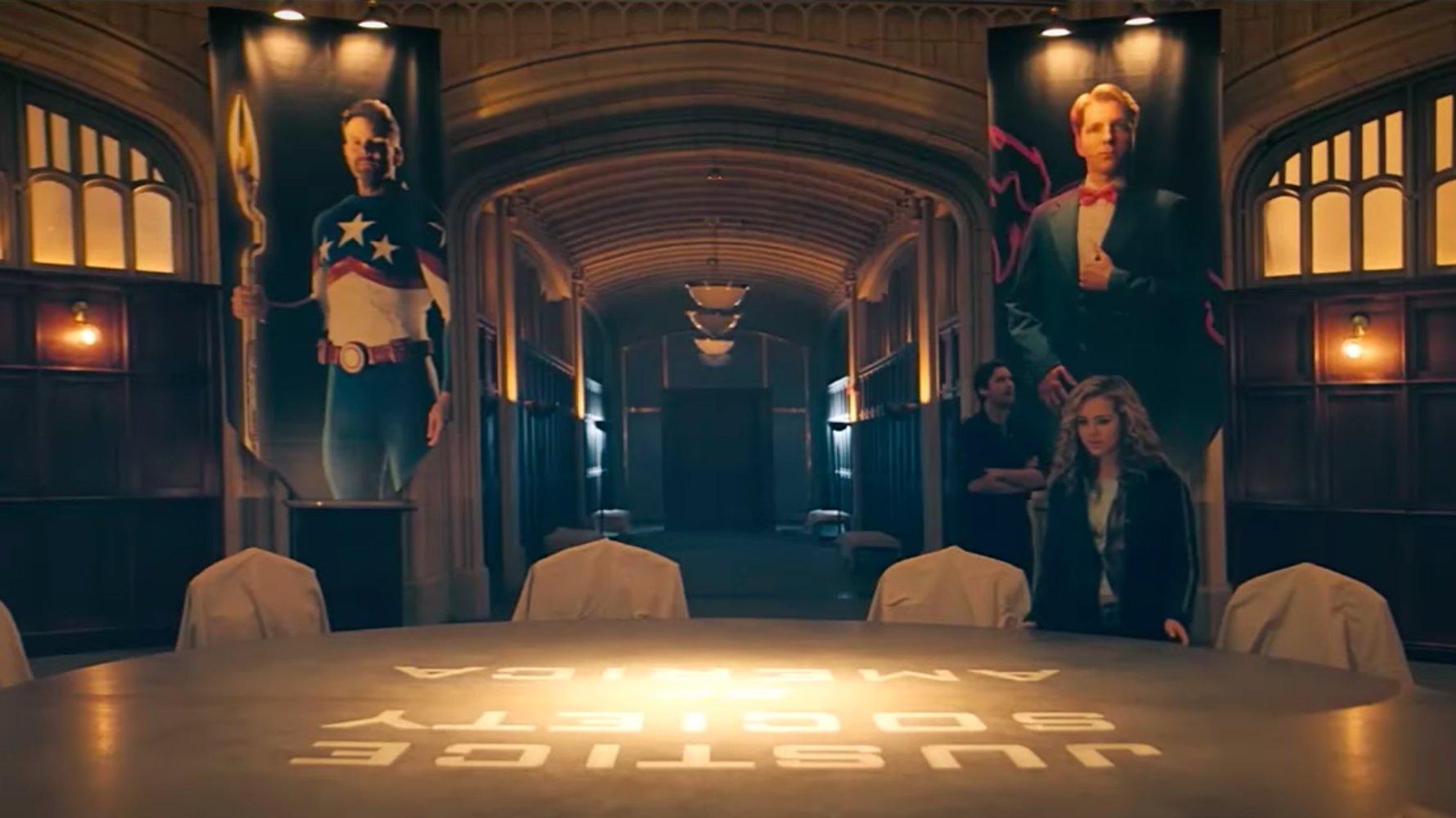 La serie Stargirl trae de vuelta a la JSA en un nuevo clip - Tomos ...