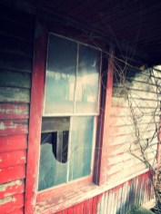 Abandoned-Home-With-An-Unplayed-Piano-3
