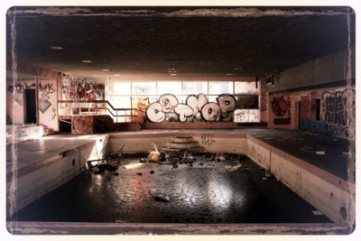 abandoned-swimming-pool