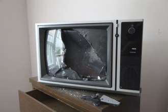 adler_this-tv-isnt-working_5816023923_o_68