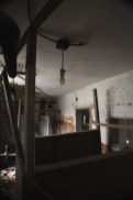 old_lodge_creepy-bathroom-stalls_5633766528_o_10