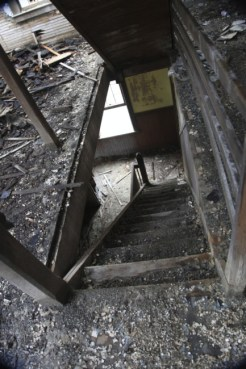 old_lodge_down-the-stairs_5633918500_o_16