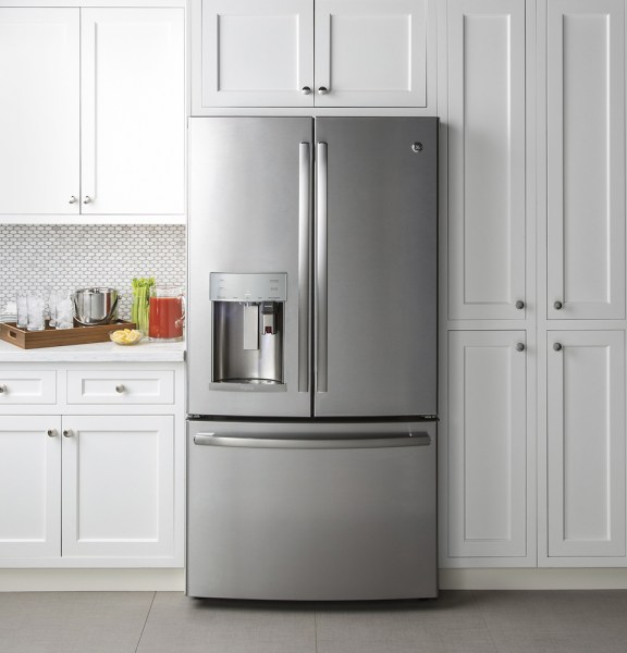 This GE Refrigerator Makes the Coffee/Cocoa/Tea of Your Dreams!