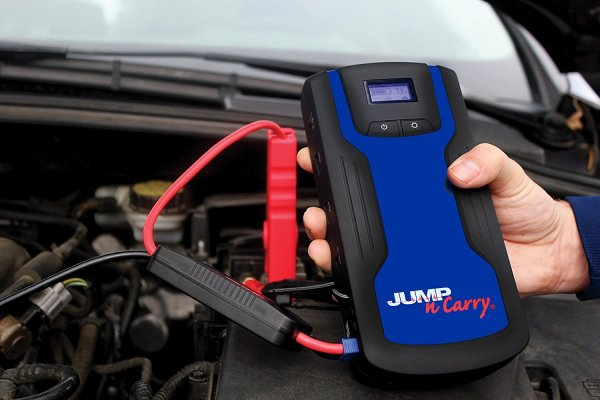 2017 Holiday Gift Guide ~ JNC318 Jump Starter