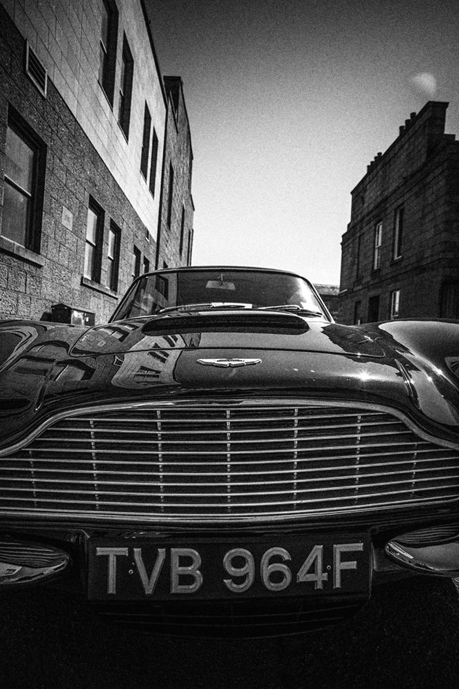 Aston_DB6_11