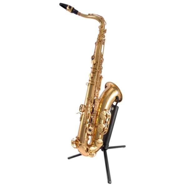 Produktbillede af en tenorsaxofon med hvid baggrund