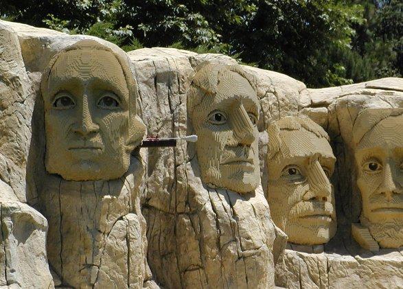 Il monte Rushmore fatto con i Lego