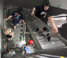 131107_stair climbing.square.photoblog600