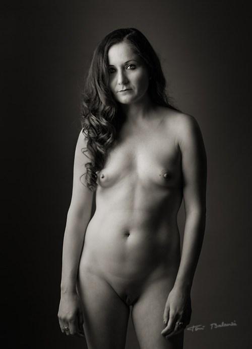 desnudo-artistico-blanco-negro-en-valencia
