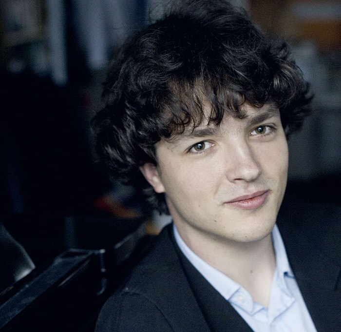 Rémi Geniet pianiste participe au festival Tons Voisins 2021 à Albi.