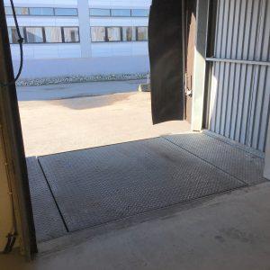 VI har 4 lasteramper med automatisk justerbar platting