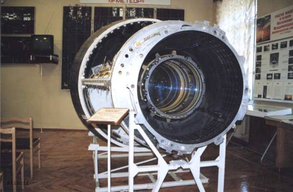 TonyRogers.com - Russian Military Launches New Spy Satellite