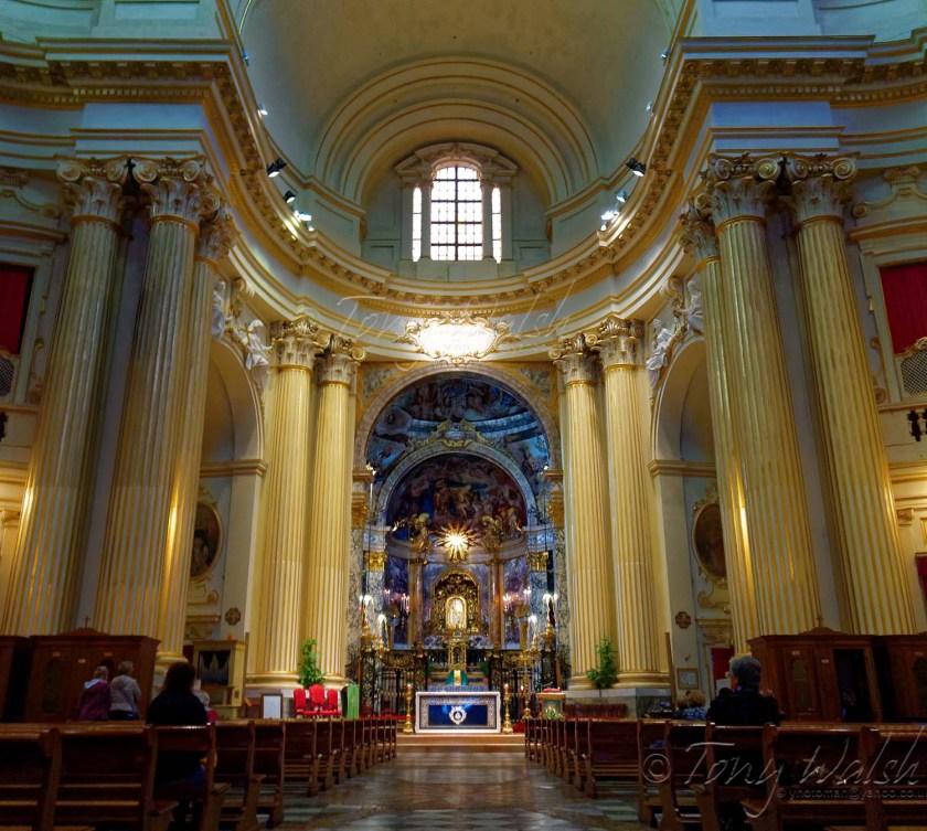 Sanctuary and Icon of Bologna's Madonna di San Luca