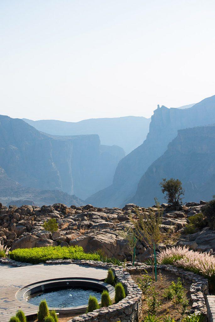 Anantara Al Jabal Al Akhdar Resort - Cliff side jaccuzzi
