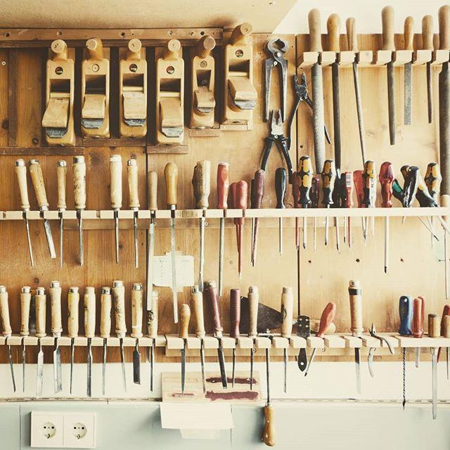 1521812795 - Poco a poco vamos Armando la sección especial para #carpinteria #ebanisteria. Próximamente en nuestra #tienda online para todos nuestros clientes #carpinteros y #ebanista. #herramientastaller #herramientaamadera #madera #wooklovers #woodwork #bcn