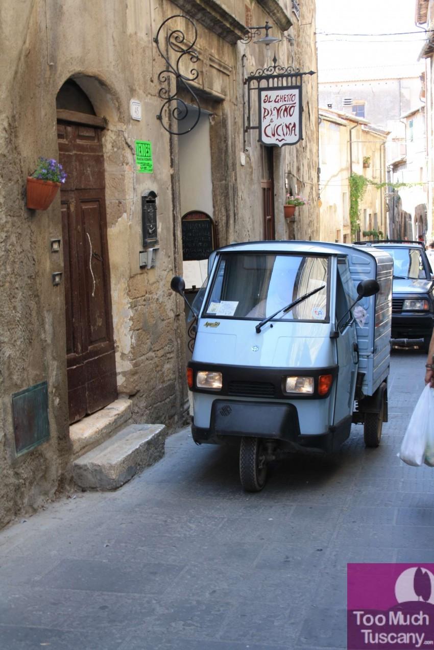Cars in Pitigliano