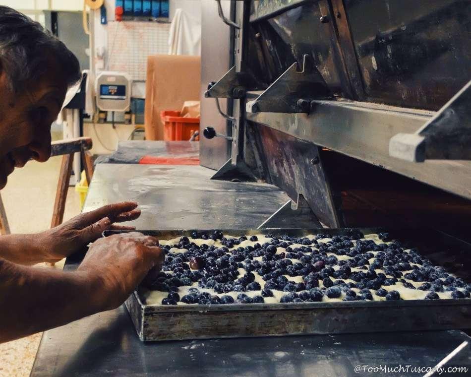 Making schiacciata con l'uva