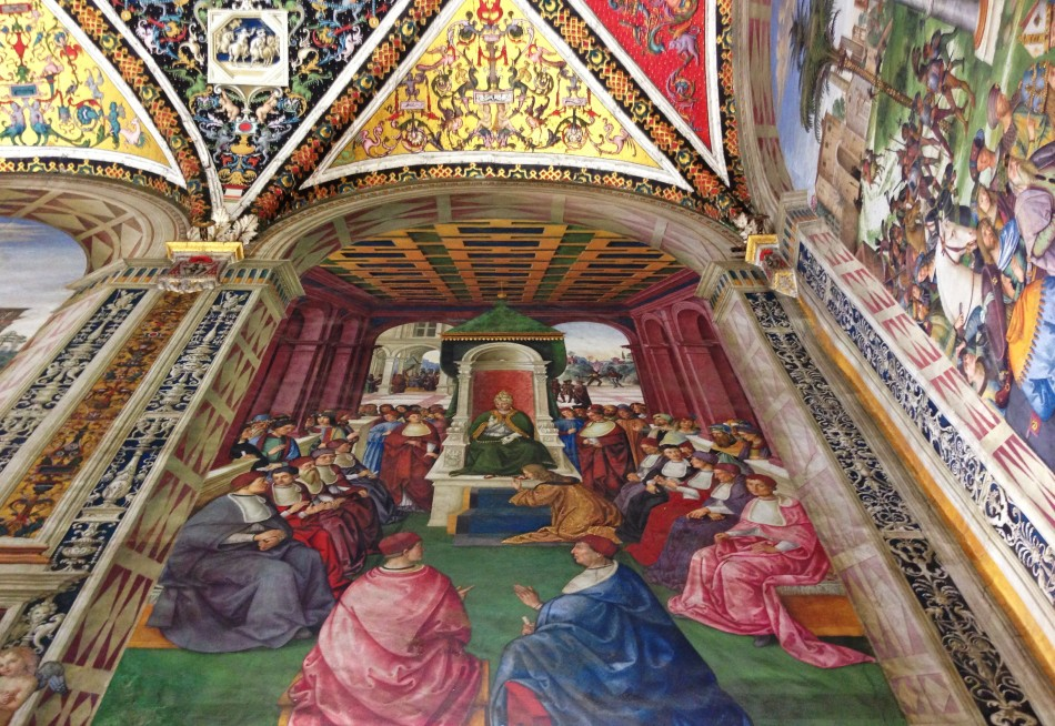 Stunning frescoes in Piccolomini Library