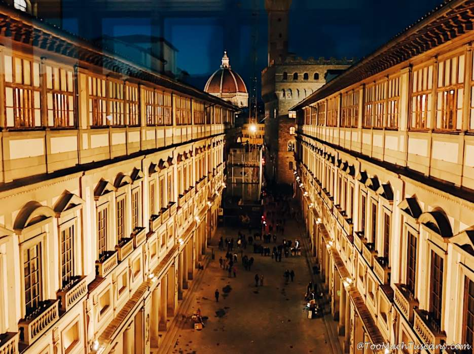 The Uffizi Gallery by night