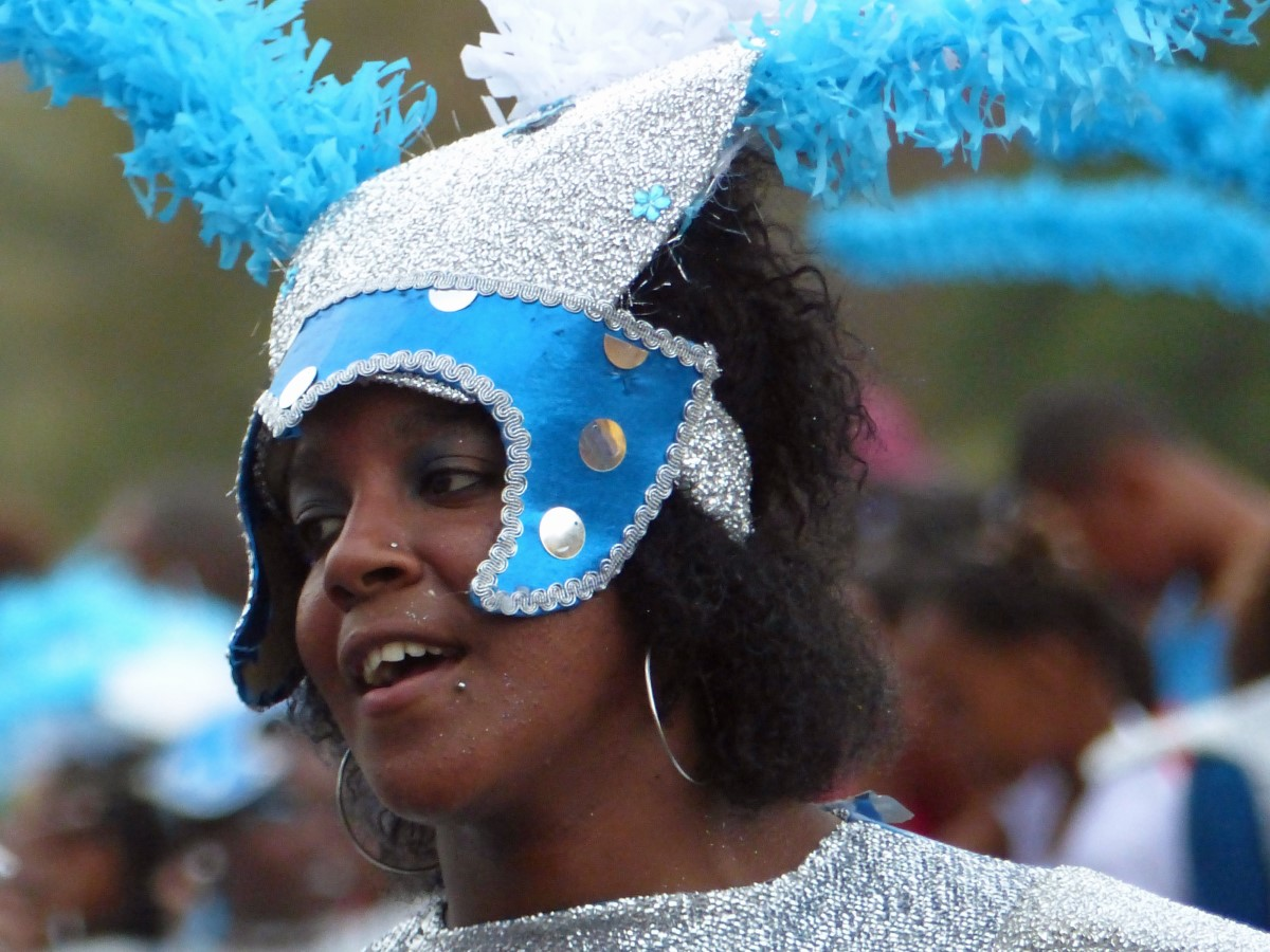 Lady in bright blue carnival costume