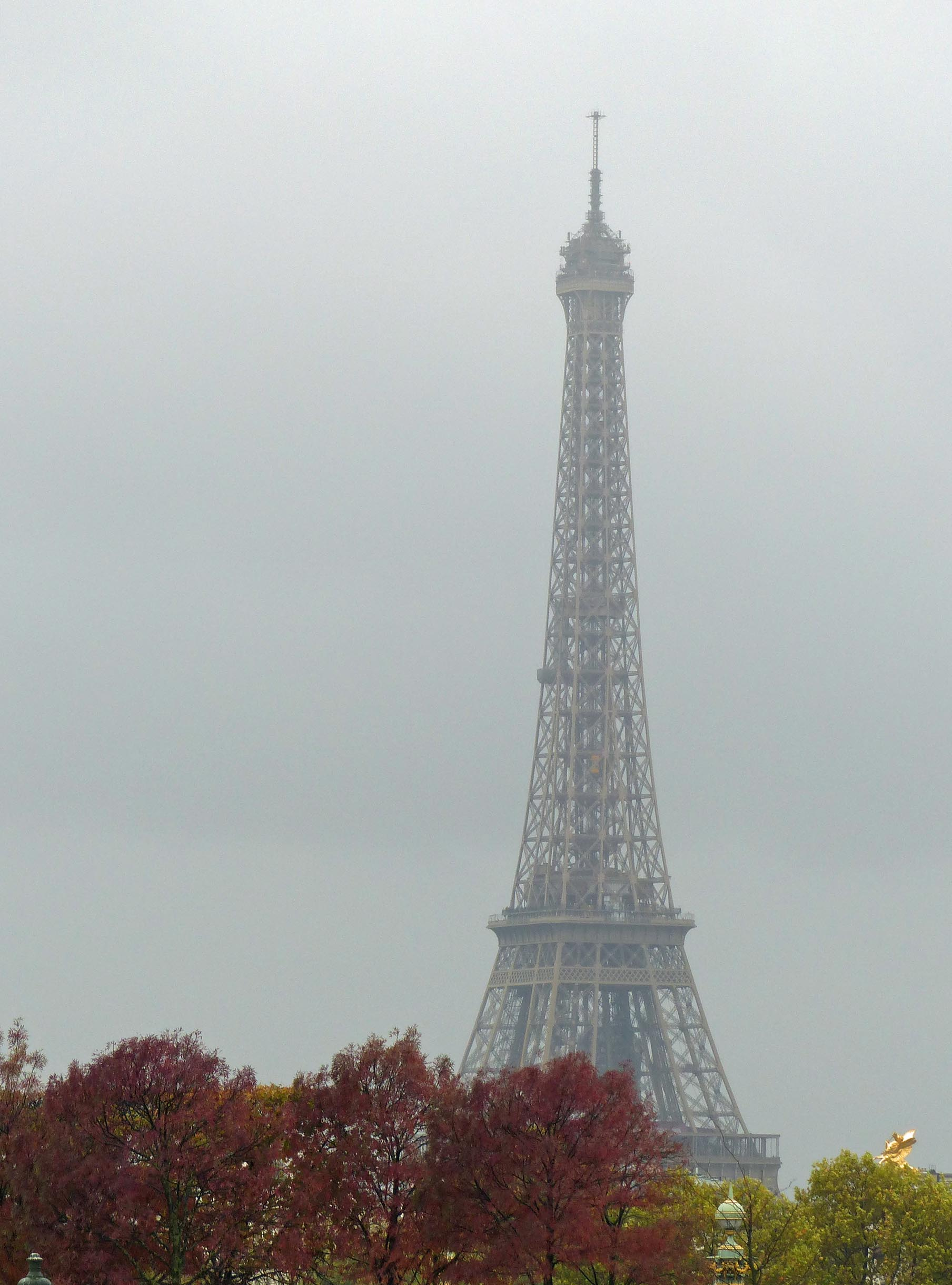 Misty view of Eiffel Tower