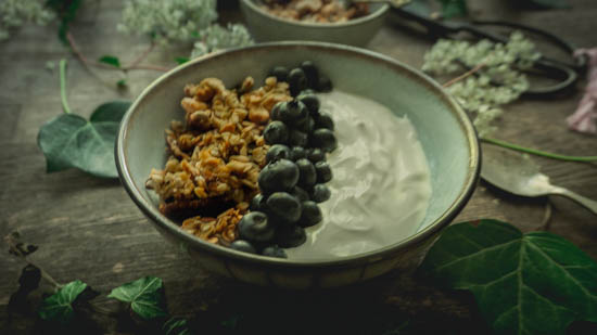 How to make your own granola. Tooting Mama's super nutty granola