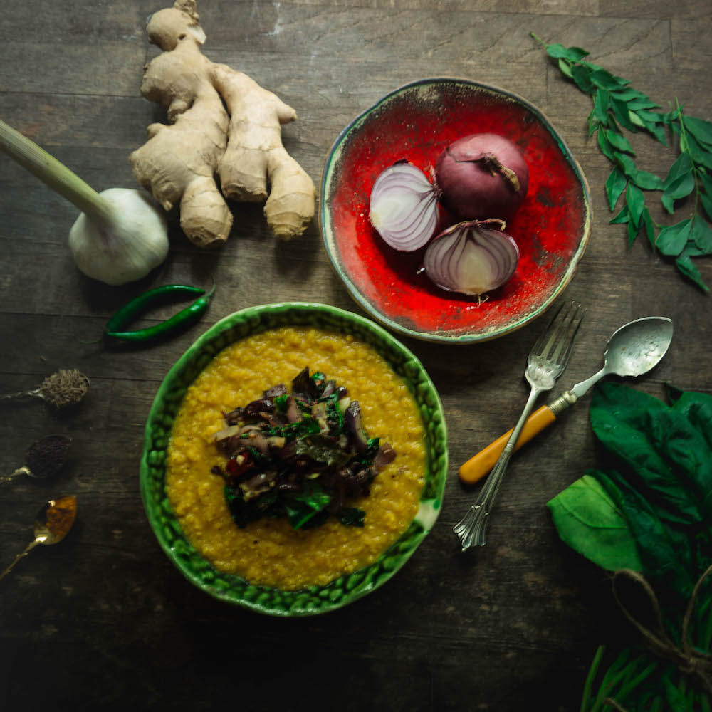 Quick and easy Sri Lankan recipe for dhal and spinach curry