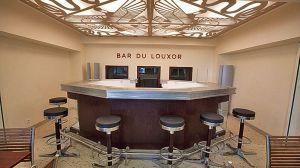Pas de Popcorn!: The Art Deco bar at the Louxor Cinema.