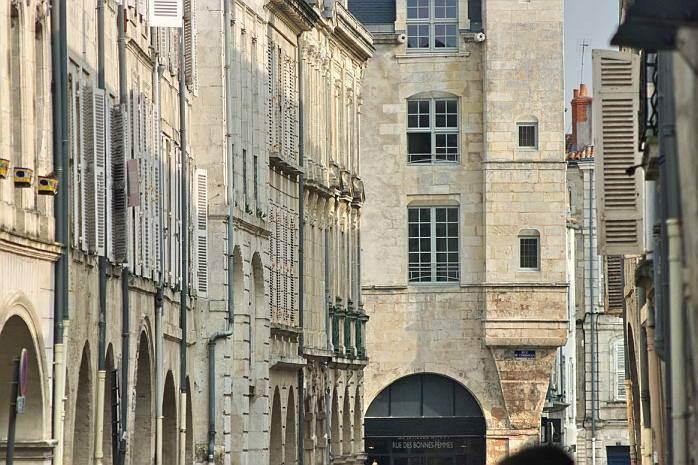 Residence-de-France-Street.jpg