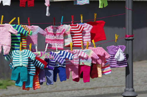 how to sell your old baby stuff in a garage sale