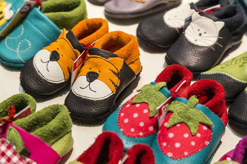 where to sell your old baby clothes and toys