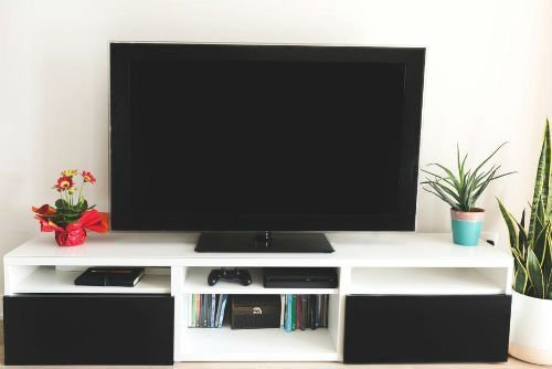 tv turned off so moms can be more productive with their alone time