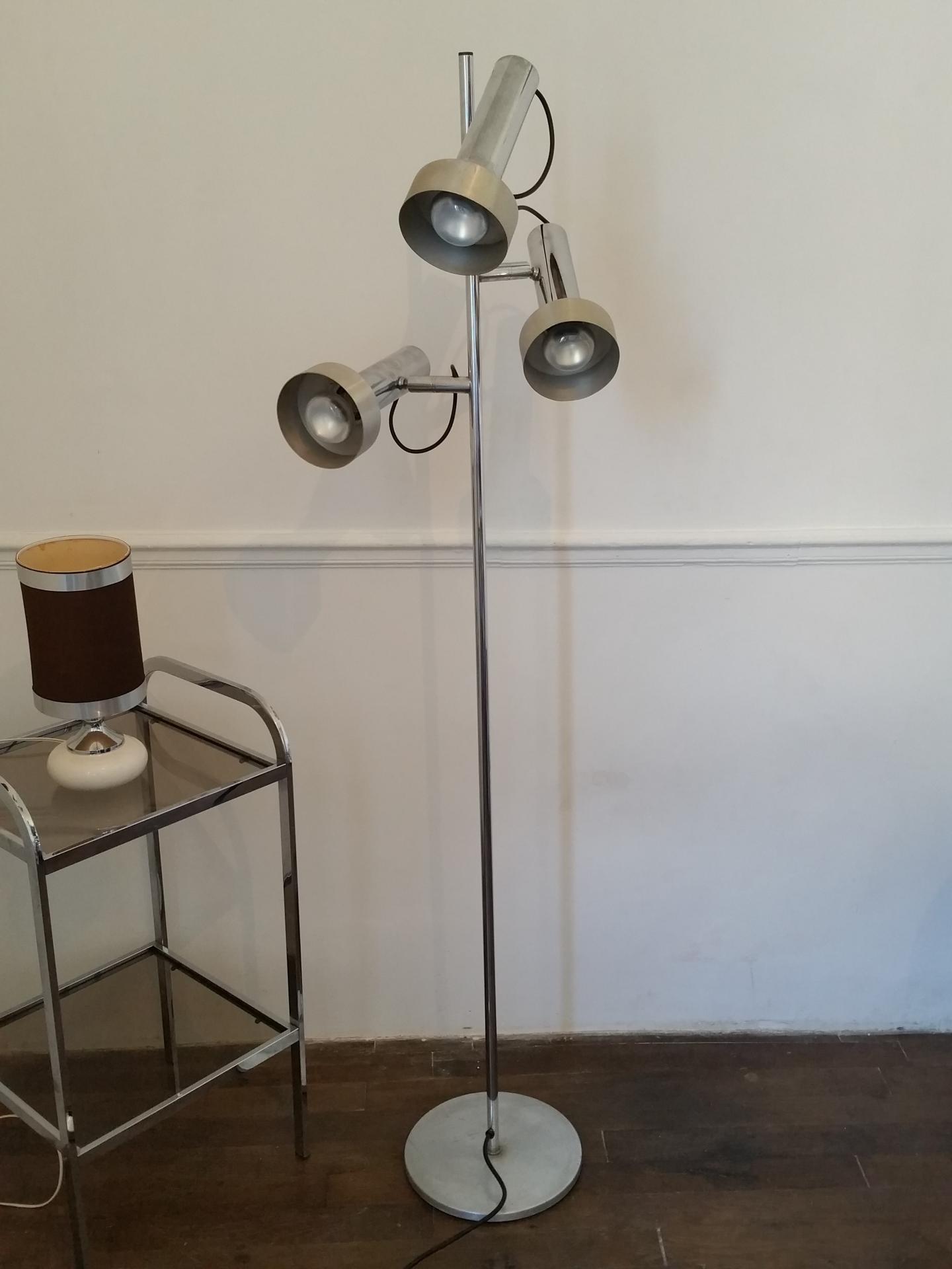 lampadaire vintage annees 70 en metal